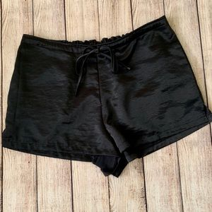 Urban outfitter silence + noise tie shorts M